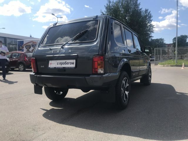 Купить б/у LADA (ВАЗ) 4x4 (Нива), 2019 год, 83 л.с. в Санкт-Петербурге
