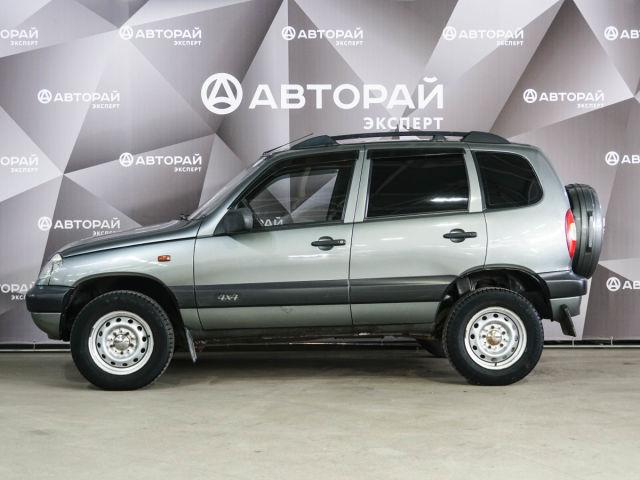 Купить б/у Chevrolet Niva, 2006 год, 80 л.с. в России