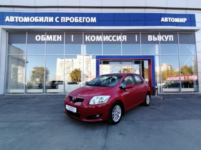 Купить б/у Toyota Auris, 2008 год, 124 л.с. в Саратове