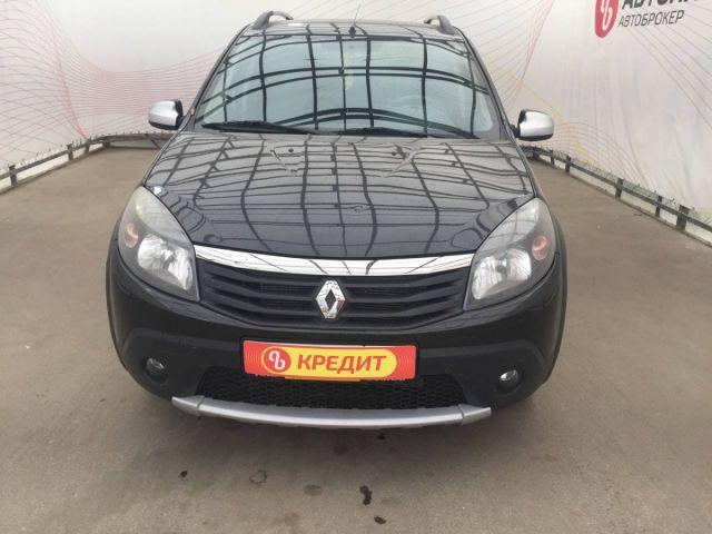 Купить б/у Renault Sandero, 2013 год, 125 л.с. в России