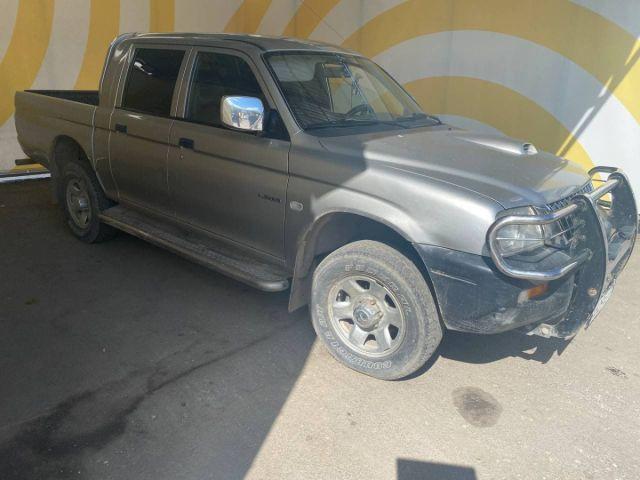 Купить б/у Mitsubishi L200, 2004 год, 99 л.с. в России
